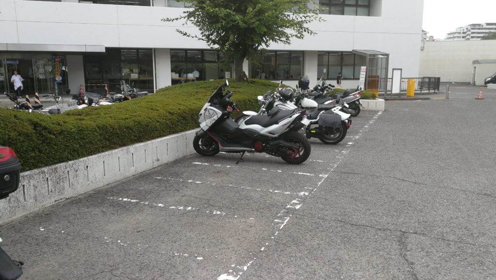 試験場 運転 光明 駐 免許 車場 池